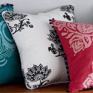 "Jacobean Floral Pillow Cover, 18"" sq."