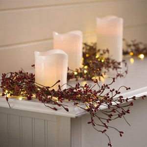 Mini Berry Illuminated Garland
