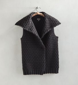 Fold-Over Collar Alpaca Vest - Black - L/XL (10-16)
