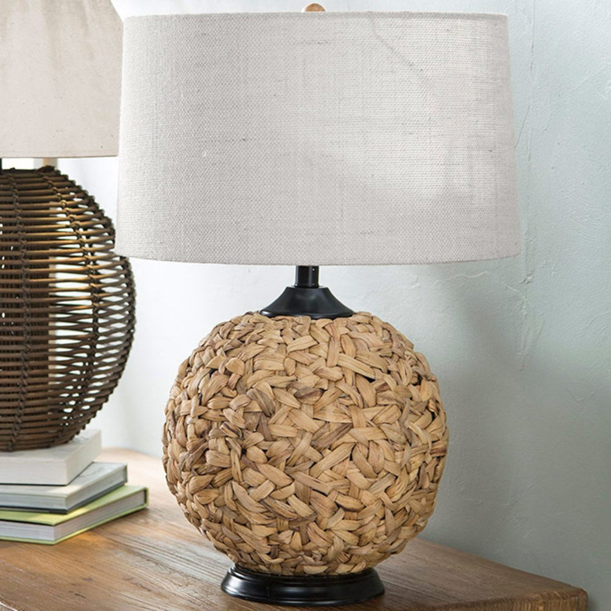 Woven Seagrass Table Lamp