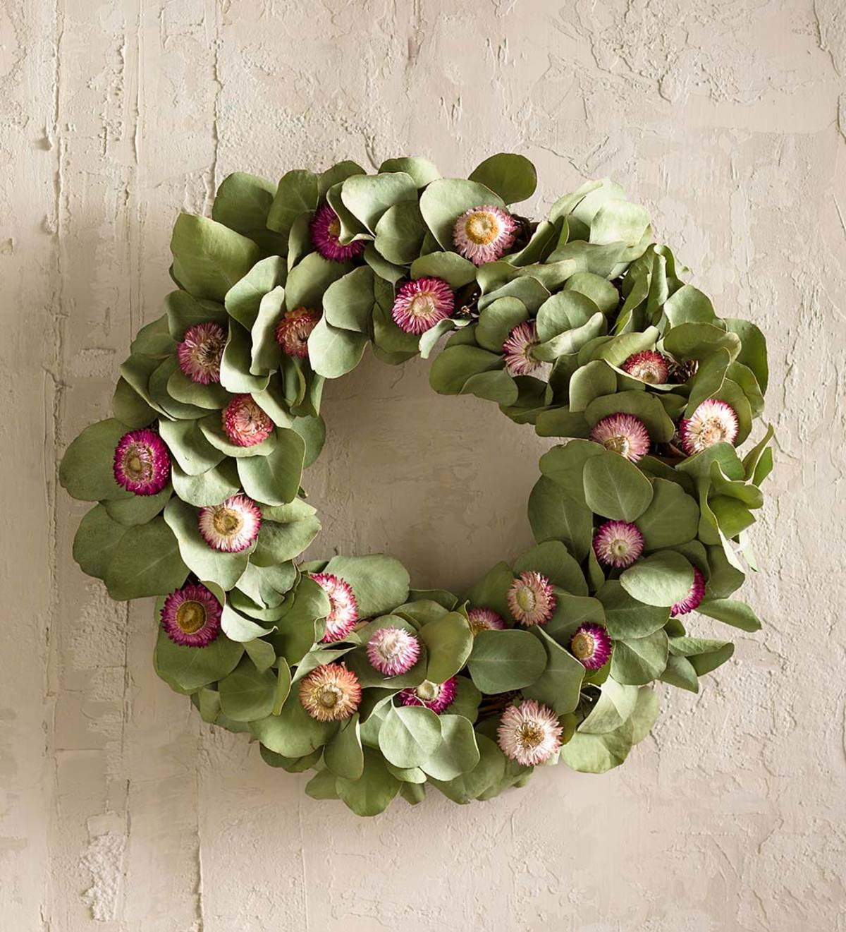 Strawflower And Eucalyptus Wreath Vivaterra