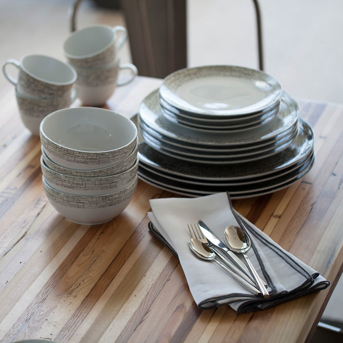 Bryson Flatware Collection