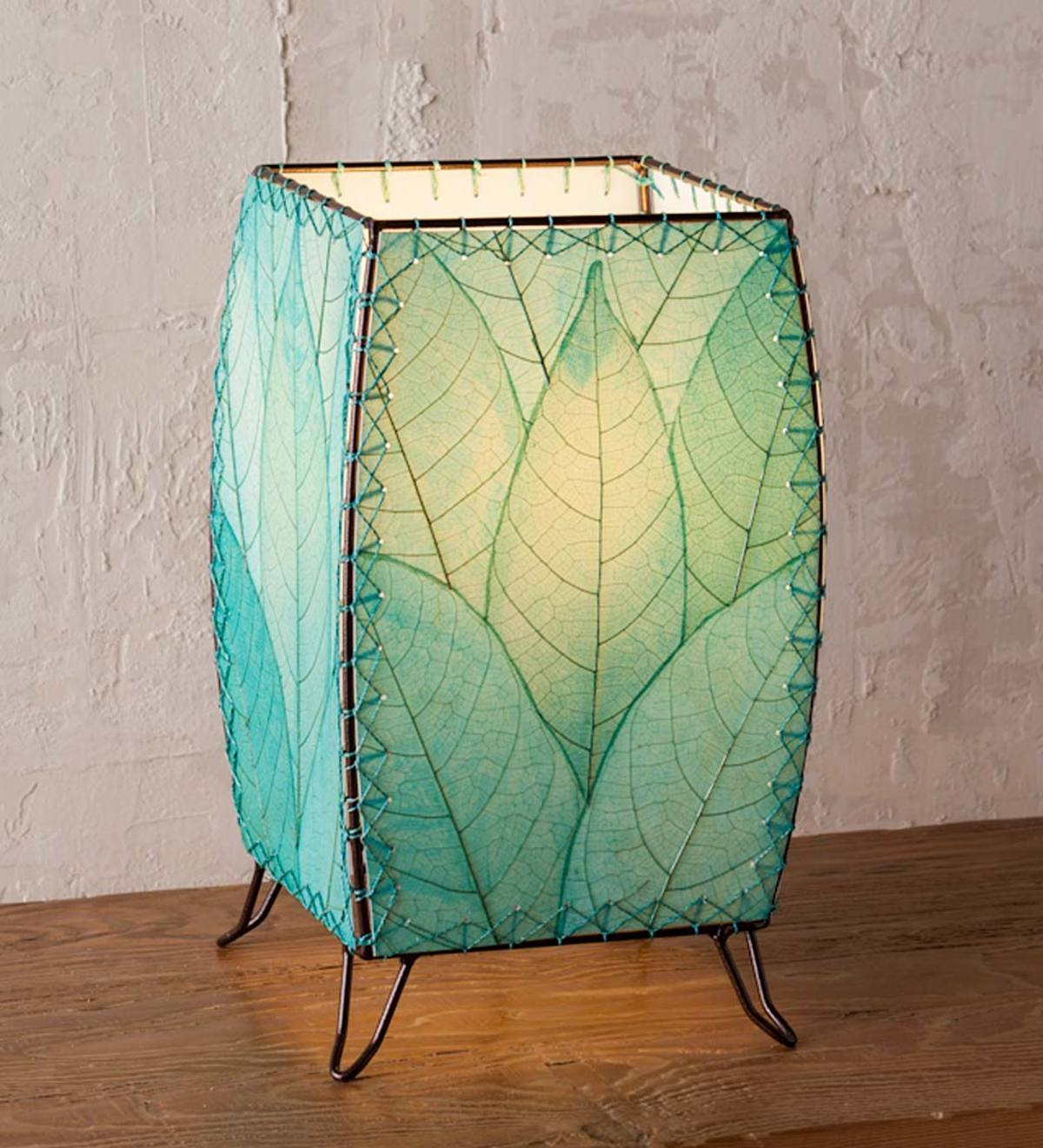 Outdoor/ Indoor Blue Leaf Cube Lamp